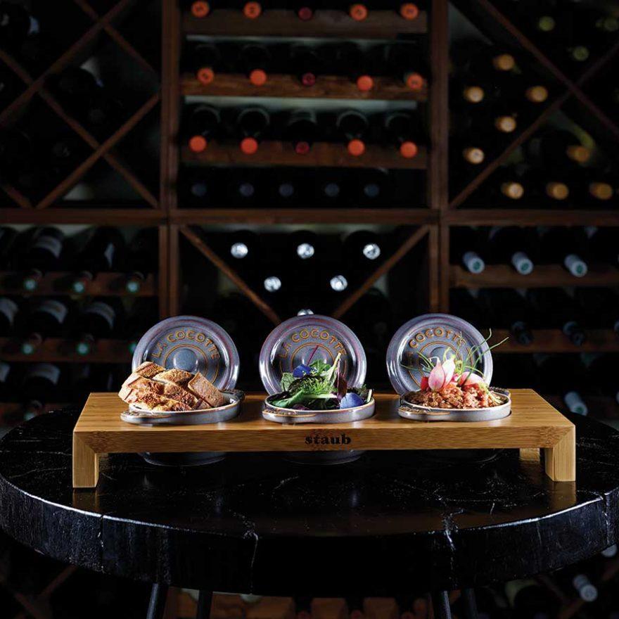 Speisen in der Weinbar
