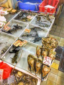 Markt Asien-meeresfruechte, muscheln und fisch